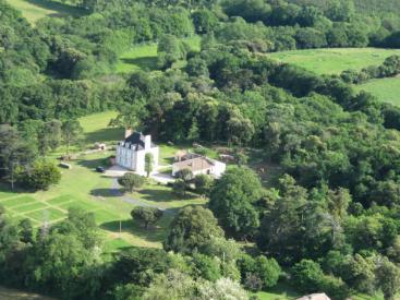 Vue aérienne du Manoir de l'Eolière